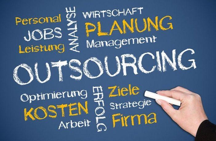Das Hauptziel des Outsourcings besteht in einer Reduktion der Unternehmenskosten.