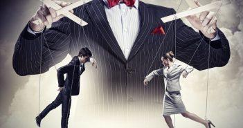 Führungskräfte manipulieren ihre Mitarbeiter
