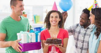 Geburtstag im Büro richtig feiern