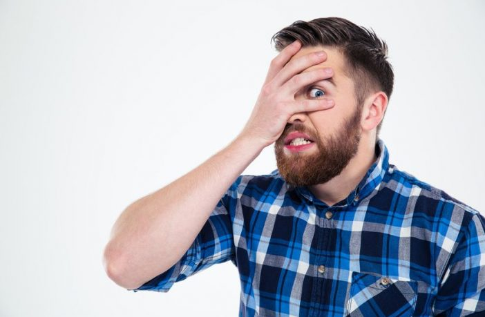 Fremdschämen - wie geht man mit peinlichen Kollegen um
