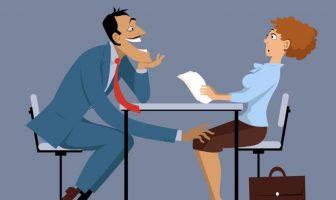 Flirten unter Kollegen ist ein normales Phänomen im Büroalltag
