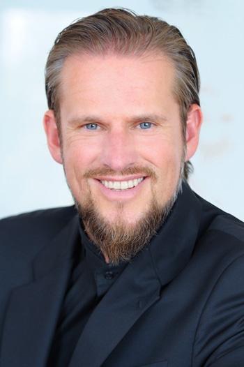 Frank Rechsteiner ist Inhaber der Hype Group, die auf Recruiting und Strategieberatung für IT-Unternehmen spezialisiert ist.
