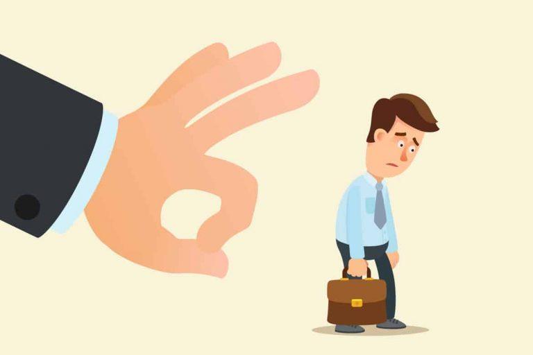 Arbeitnehmer wird von seinem Arbeitgeber gekündigt