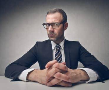 Personaler bekommt im Vorstellungsgespräch vom Bewerber verbotene Fragen gestellt