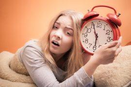 Leichter aufstehen: 10 muntere Tipps für Morgenmuffel