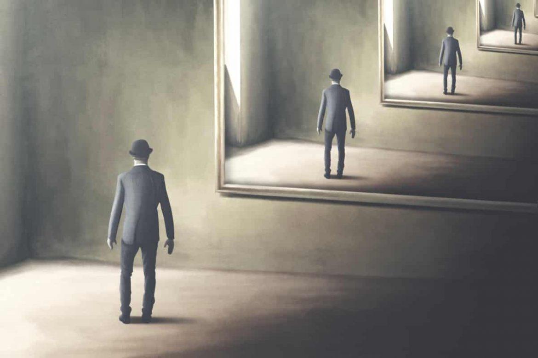 Selbstreflexion bedeutet, über sich selbst nachzudenken, also sich selbst zu reflektieren