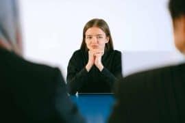 Diese 6 Fragen sollten Bewerber stellen, bevor sie sich für einen Job entscheiden